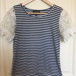 Lace sleeve striped tee